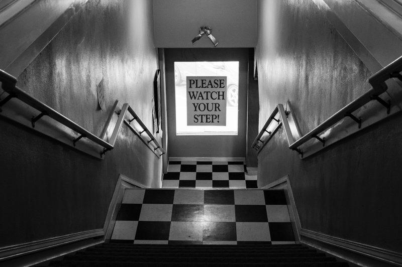 Escalier noir et blanc geraldine kwik - Escalier noir et blanc ...